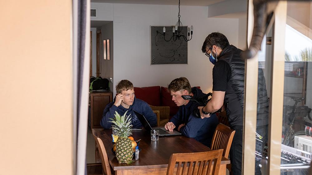 Un momento del rodaje del documental con Tristan Bangma y Jeffrey Lami